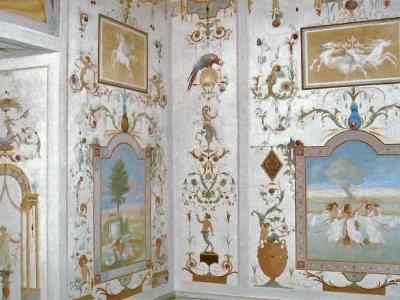 Malarstwo ścienne w technice al fresco buono. Rezydencja prywatna. Polska.